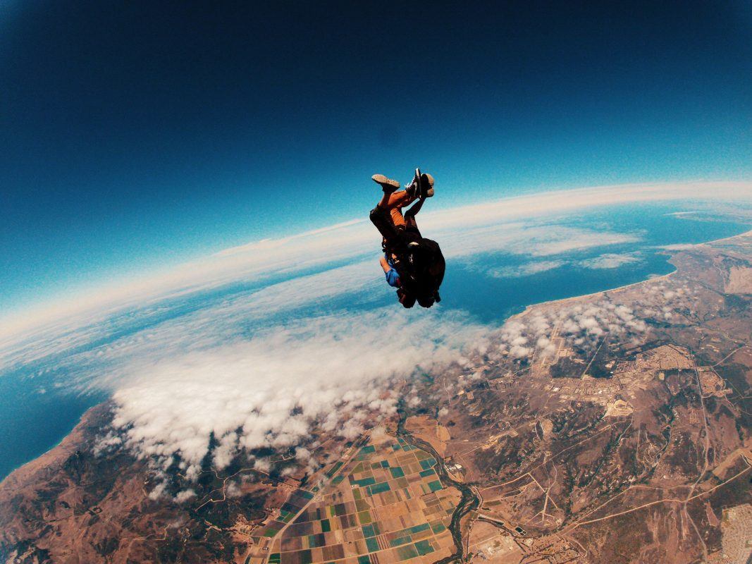 What to do with ashes - take them skydiving