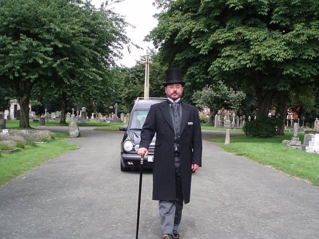 How to choose a funeral director beyond help centre solutioingenieria Gallery